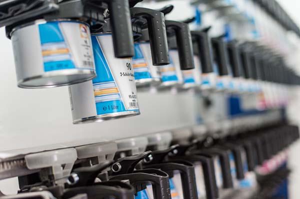 Poweleit Der Autolackierer GmbH | Leistung | Fahrzeuglackierung | umweltschonende Glasurit Autolacke
