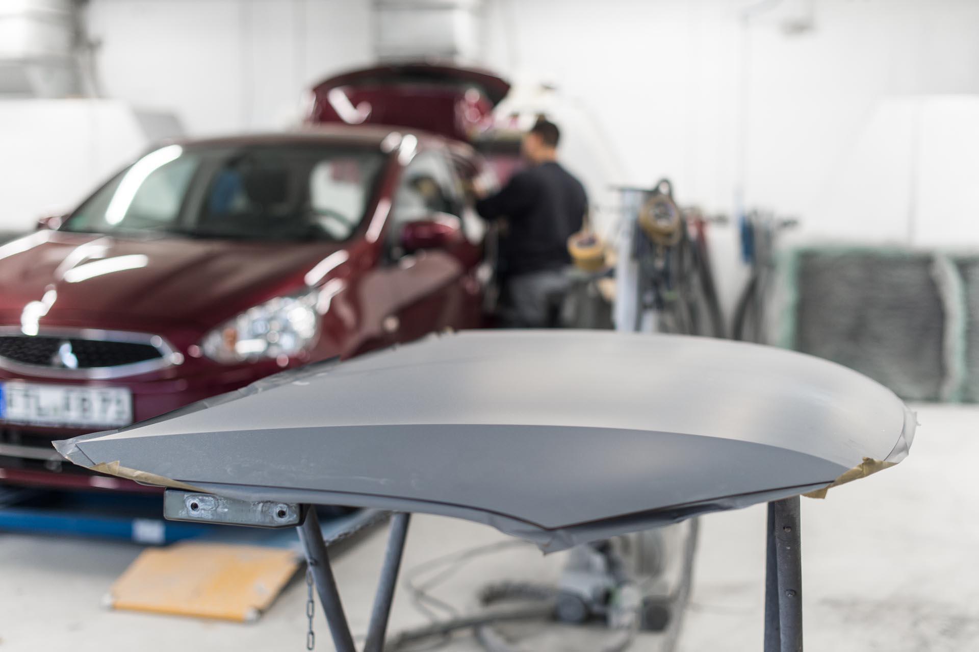 Poweleit Der Autolackierer GmbH | Leistung | Fahrzeuglackierung
