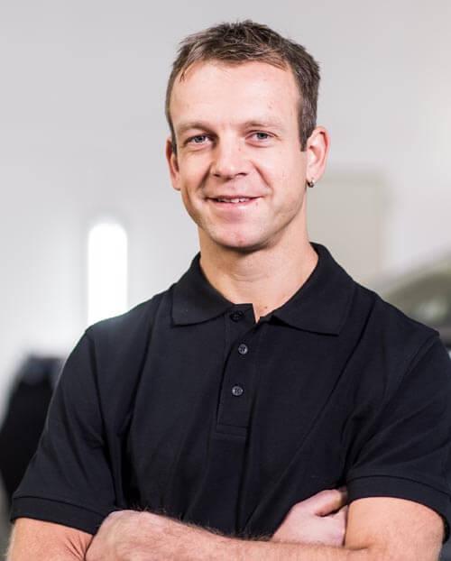 Poweleit Der Autolackierer GmbH | Unternehmen | Team 25