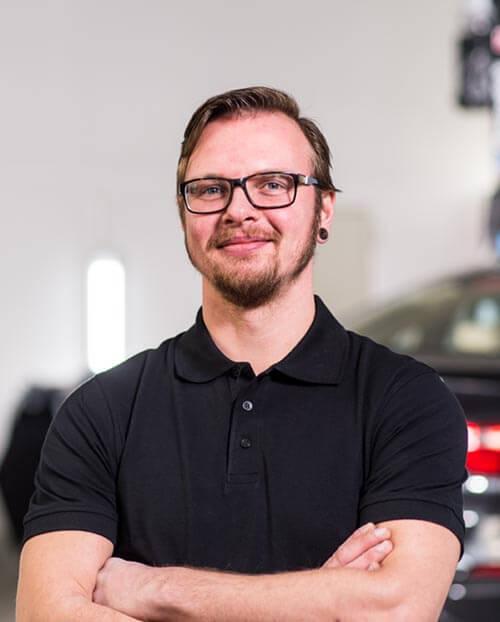 Poweleit Der Autolackierer GmbH | Unternehmen | Team 24