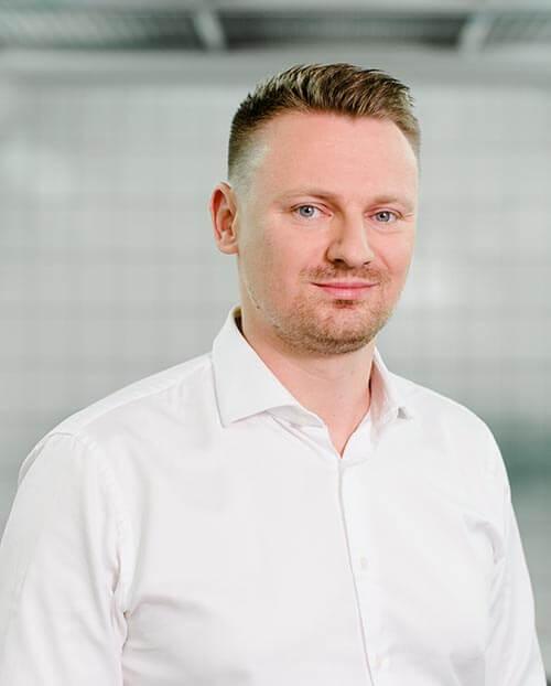 Poweleit Der Autolackierer GmbH | Unternehmen | Team 02